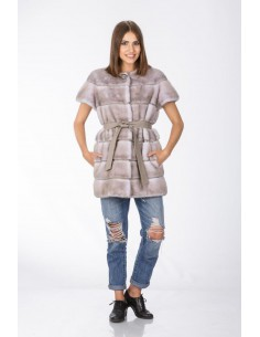 Short grey mink coat with short sleeves and gry leather belt front side