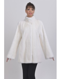 Short withe mink coat front side