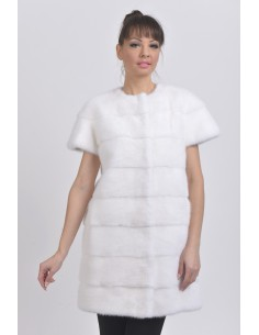 Short white mink coat with short sleeves front side