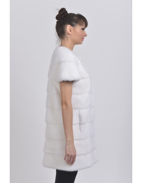 Short white mink coat with short sleeves right side
